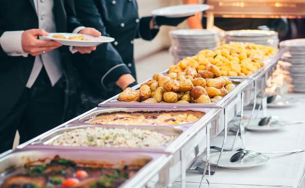 Eventservice - Buffettisch mit Essen
